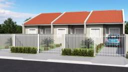 Ótimas residências c/ 02 quartos e amplo terreno nos fundos no Santa Tereza !!