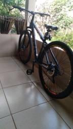 Bicicleta Colli aro 29 semi-nova