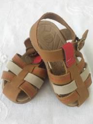 Sandálias infantis - R$ 15,00 cada
