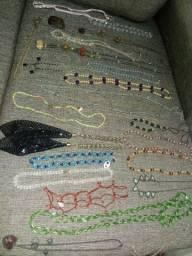 Lote 23 colarea usados bijuterias
