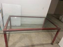 Mesa de ferro com tampa de vidro