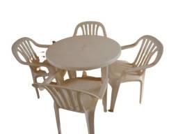 Título do anúncio: Jogo mesa plástica Goyana com 4 cadeiras