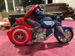 Título do anúncio: Moto Capitão América com boneco
