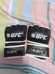 Luva de MMA
