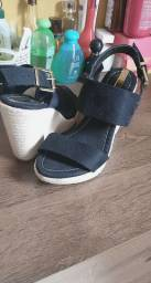 Sandália pouco usada N35