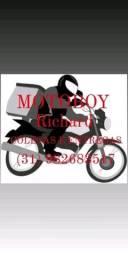 Procuro emprego de motoboy tenho moto com baú de 90L documentações em dia