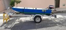 Barco de alumínio completo com motor e reboque.