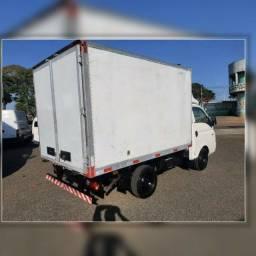 Título do anúncio: Frete e Mudança caminhão baú HR