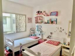Apartamento reformado a venda na Oscar Freire