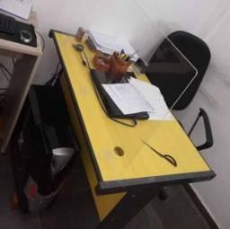 Mesa de Escritório (Imagem Ilustrativa)