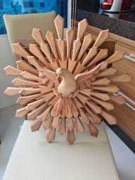 Vende-se Divino de madeira