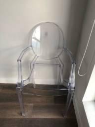 Cadeira acrílica