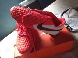 Vendo Chuteira Nike Original nunca usada