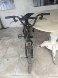 Bicicleta infantil 250$
