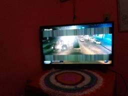 Vendo TV com duas listas na tela ,200 reais
