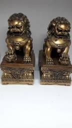 Par de Cães de Buda em resina dourados