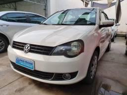 VW Polo Sedan 1.6 - 2013 - 2012