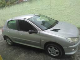 Peugeot 206 1.4 Feline Prata - 2004