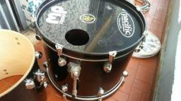 """Bateria DW Pacific 2 tons, Bumbo 22"""" completa"""