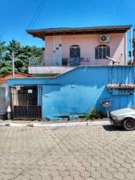 Condomínio com 6 casa