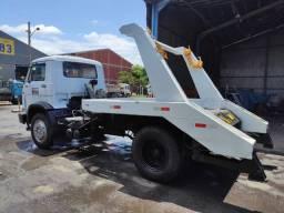 Caminhão poli guindaste caçamba 12140 T Volkswagen