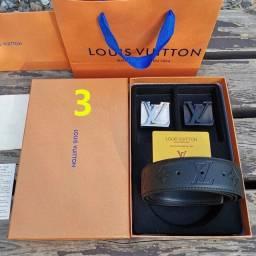 Título do anúncio: Kit de cinto com duas fivelas Louis Vuitton exatamente igual a foto