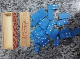 Dominó de madeira tema Mickey