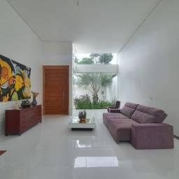 Casa de altíssimo padrão a venda no Jardim Aeroporto em Alfenas-MG