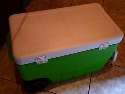 Caixa térmica cooler / 50 lts c/rodinhas / ótimo estado!