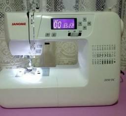 Máquina de Costura Elétrica Janome 2030 Bi-Volt