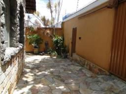 Casa com 2 dormitórios à venda, 198 m² por R$ 650.000,00 - Carlos Prates - Belo Horizonte/