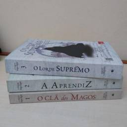 Livros variados (inglês/português)