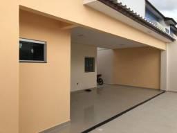 Casa ampla, com: Terreno 12,5X20 // com 3 quartos, sendo uma suíte com closet