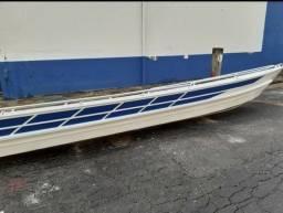 canoa voadeira nova sem uso .  canoa 6 metros borda alta .