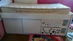 Título do anúncio: Vende se cama solteiro com colchão em mdf  2 gavetas e 2 portinhas