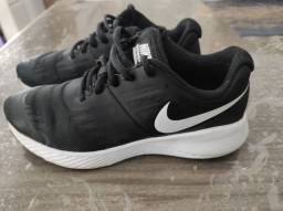 Tênis Nike Run Infantil Tam: 35. CONSERVADÍSSIMO