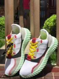 Tênis adidas flat $160,00