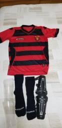 Camisa infantil oficial do Sport (Lotto ) mais caneleiras e meias artengo