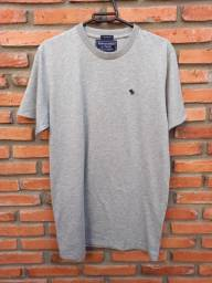 Camiseta Abercrombie & Fitch  Básica G