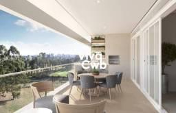 Apartamento com 261m² Privativos, 4 Suítes e 4 Vagas no Cabral.