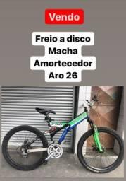 Título do anúncio: Bike aro 26, rolamentada,freio hidráulico, etc...