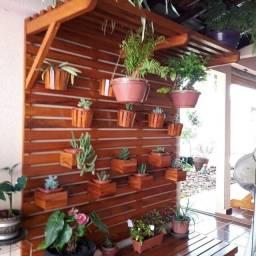 Painéis para jardim ou horta vertical feitos em madeira peroba Rosa
