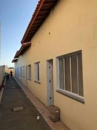 Casa em condomínio, com dois dormitórios em Itanhaém
