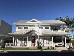 Linda Casa em Condomínio Fechado em Balneário Camboriú
