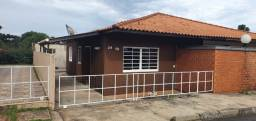 Aluguel de Casa em Condomínio Fechado- Casa recém reformada