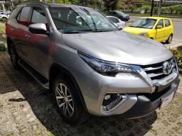 Título do anúncio: Toyota Hilux Sw4 2.8 SRX 4X4 7 LUGARES 16V TURBO INTERCOOLER DIESEL 4P AUTOMÁTICO