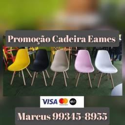 Cadeiras em Madeira e Plástico Eames Eiffel