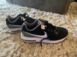 Tênis Nike Air 38