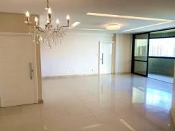 Mansão Jussara Cunha, 5 Quartos sendo 3 Suítes, 3 Vagas, 213 m² - no Jardins.