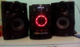 Som lg,tem aux mp3,duas entradas usb,rádio, cd